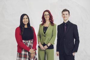 Manuela Lang, Smera Rehman und Joshua Kardinar.